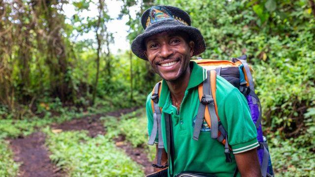 Roger Kabale Taziviwe est un guide de volcans qui a escaladé le Nyiragongo plus de 100 fois.
