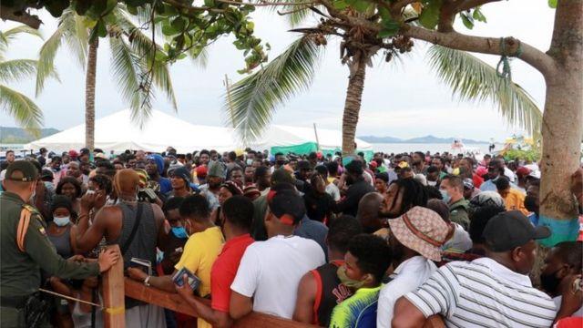 Migrantes en Necoclí