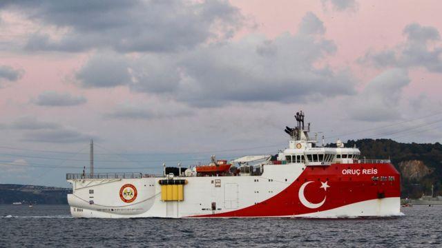 Oruç Reis gemisinin bölgeden çekilmesi iki ülke arasındaki gerilimi kısmen dindirdi.