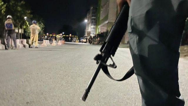 Taliban Kabil'de hükümetin önde gelen yetkililerine yönelik saldırılar başlatmış görünüyor