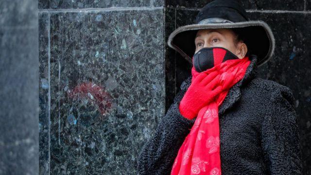 женщина на московской улице