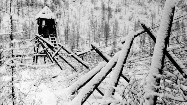 Занесенные снегом руины сталинского лагеря, Пермский край