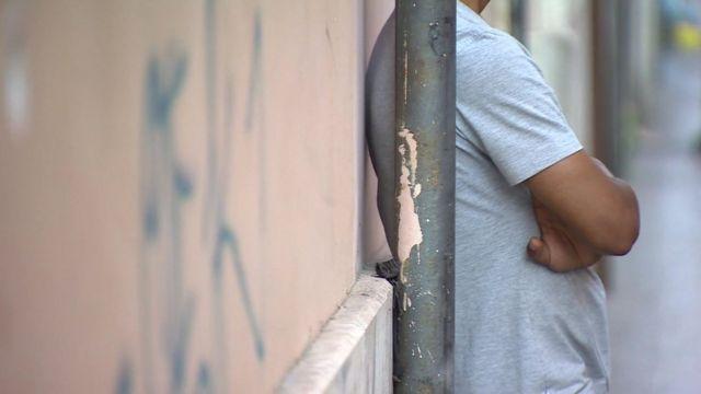 ローマでは移民の若者が生き延びるために売春をしているとBBCに話した