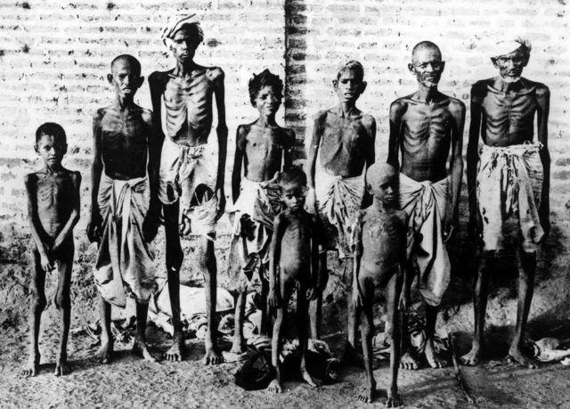 Víctimas de la hambruna en India
