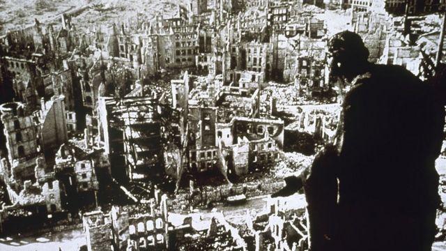 Дрезден после бомбежки с высоты птичьего полета