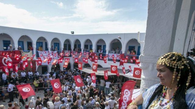 اليهود يحتفلون أيضا بعيد لاك بعومر في كنيس الغريبة في جربة بتونس