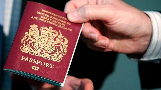 Nhà giàu Việt và trào lưu mua hộ chiếu ngoại 'vì tương lai con em'