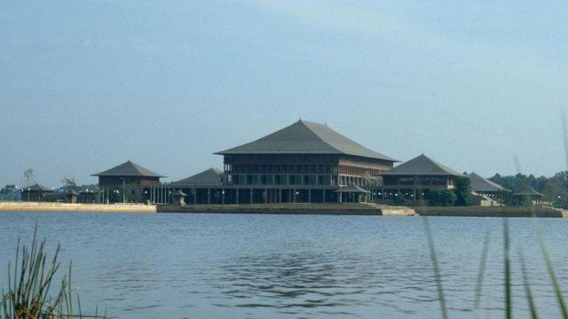 Здание парламента, Шри-Ланка, 1979-82 гг.