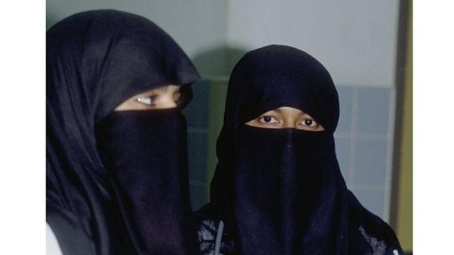 Deux femmes Saoudiennes en burka (image d'archives)