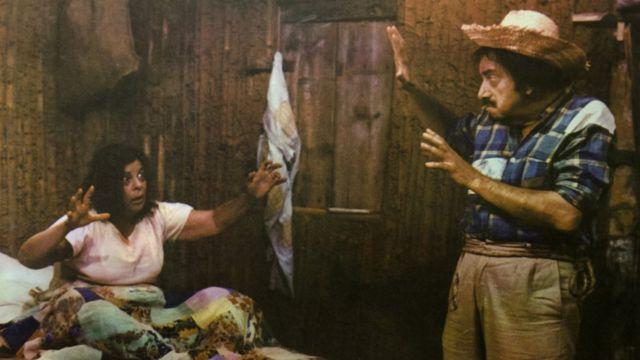 Mazzaropi interpreta Jeca Tatu, personagem de Monteiro Lobato, no filme 'Jeca contra o capeta', de 1976