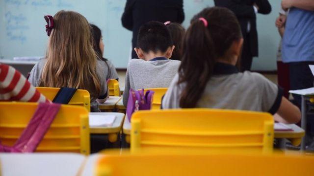 Crianças em escola de Joinville, em foto de arquivo