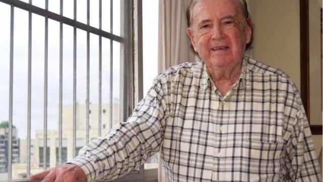 Francisco Balkanyi, sobrevivente do Holocausto, em casa, em São Paulo