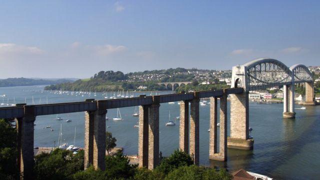 Мост через реку тамар