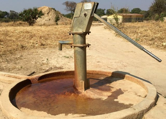 'Rivers of acid' in Zambian villages