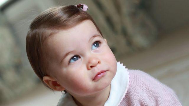 4月にノーフォークの自宅でキャサリン妃が撮影したシャーロット王女
