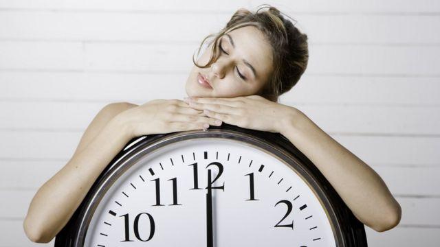 6 consecuencias negativas de dormir demasiado - BBC News Mundo