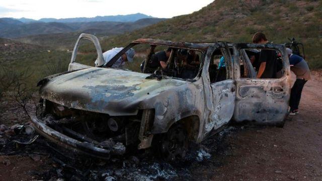 Ataque al auto de la familia LeBarón en México.