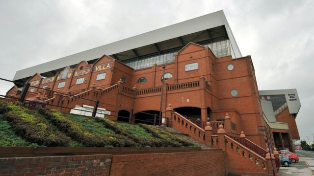Lič je dizajnirao jednu od tribina na stadionu Aston Vile u Birmingemu