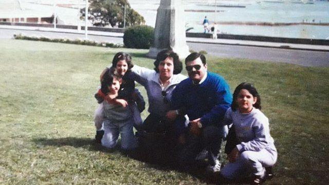 Analía Kalinec com a família nos anos 1980
