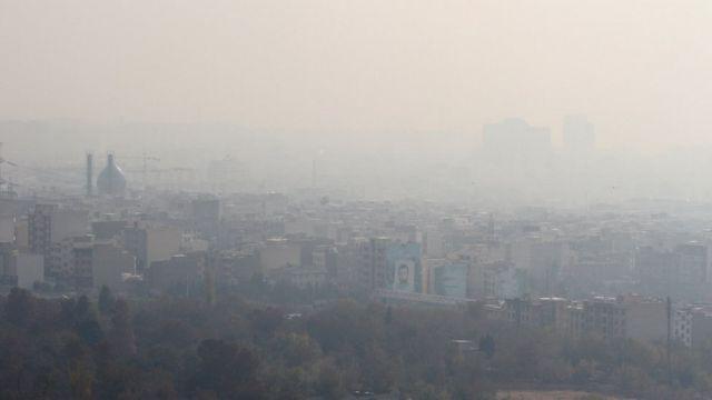 منظر طهران وقد غطاها التلوث الذي حجب الرؤية
