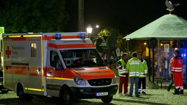 ambulance près du lieu de l'attentat à Ansbach.