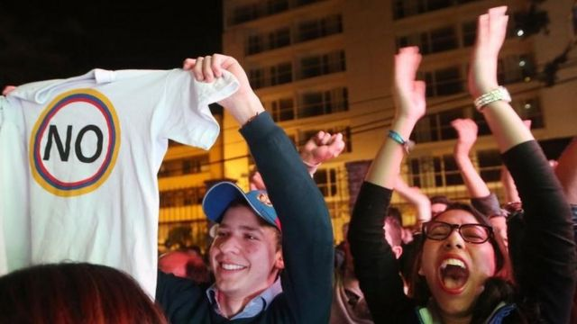 """Colombianos celebraron el """"no"""" en domingo."""