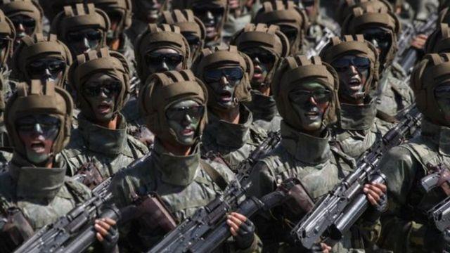 စစ်လက်နက် ပြသ တာတွေကို လျှော့ချမယ်လို့ အကဲဖြတ် တချို့က တင်ကြို သုံးသပ်