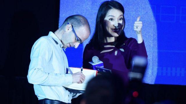 Yuval Noah Harari Lectures ở Hàng Châu
