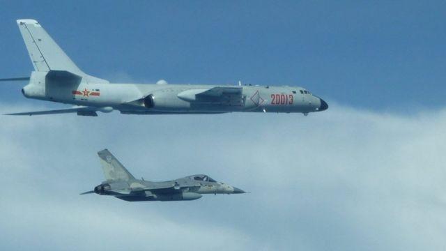 中国大陆军机近来多次飞越台湾海峡中线。图为2020年2月10日,台湾F-16战机升空监控伴飞中国军机绕台飞行。