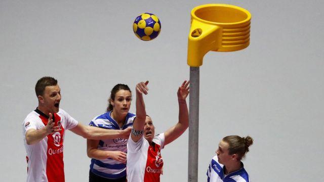 Juego de korfball en Holanda