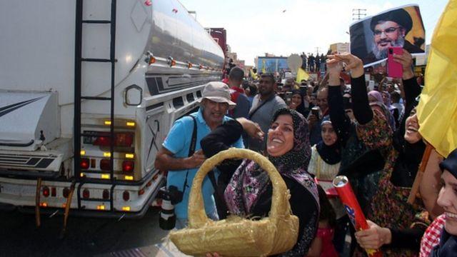 استقبال از تانکرهای سوخت ارسالی از ایران که از سوریه وارد لبنان شده است