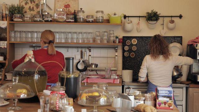 Žene u kuhinji