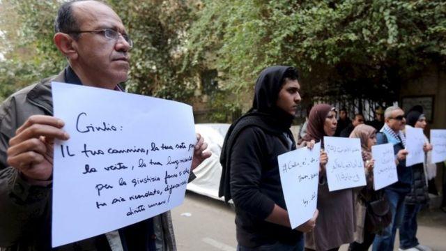 ناشطون محتجون على مقتل ريجيني