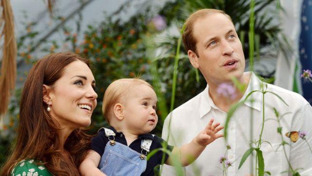 Герцог и герцогиня Кембриджские с сыном, принцем Джорджем