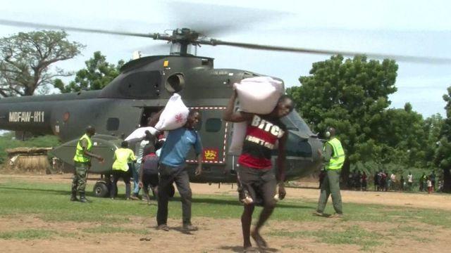 Helikopta za kijeshi zimetumiwa kusafirisha chakula cha msaada Malawi
