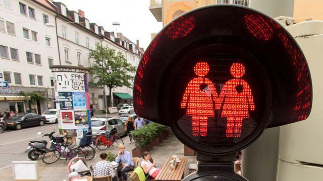 Изображение лесбийской пары