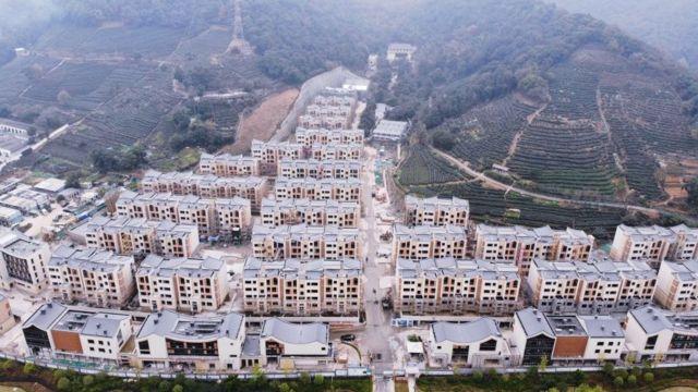 Những khu nhà mới đã được xây dựng cho những người nghèo ở vùng nông thôn Trung Quốc
