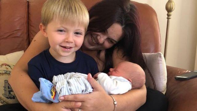 Leanne Jones and children