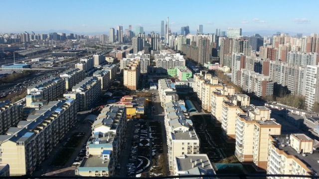 北京の第4環状道路付近から中心部を望む(今月1日)