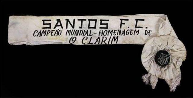 Faixa comemorativa de um dos Campeonatos vencidos pelo Santos