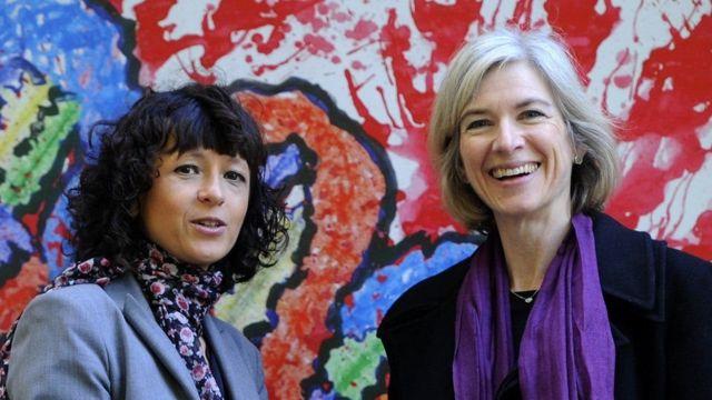 埃瑪紐埃勒.沙爾龐捷(左,Emmanuelle Charpentier)和美國的珍妮弗.道德納(Jennifer A. Doudna)
