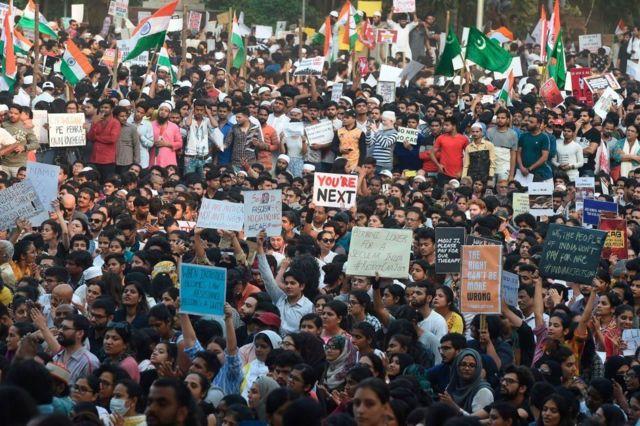 ၃ ရက်ကြာ ဖြစ်နေတဲ့ အိန္ဒိယဆန္ဒပြပွဲ