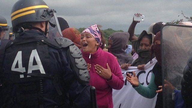 Migrant protests Calais