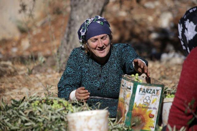 امرأة كردية في عفرين