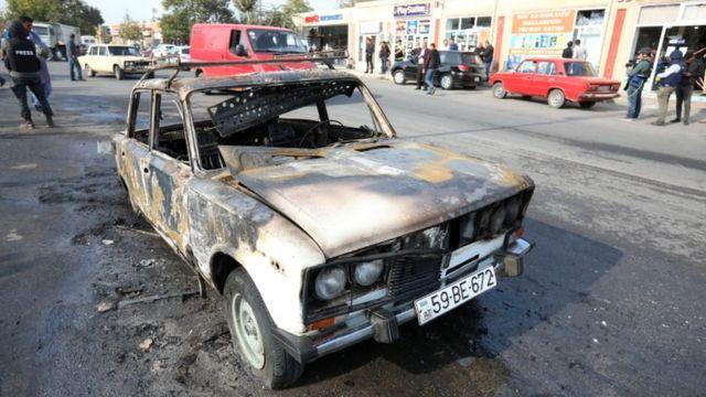 Gaari ku gubtay inta uu dagaalka ka qarxay gobolka Nagorno-Karabakh