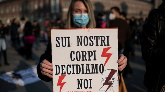 Protesta a favor del aborto en Italia