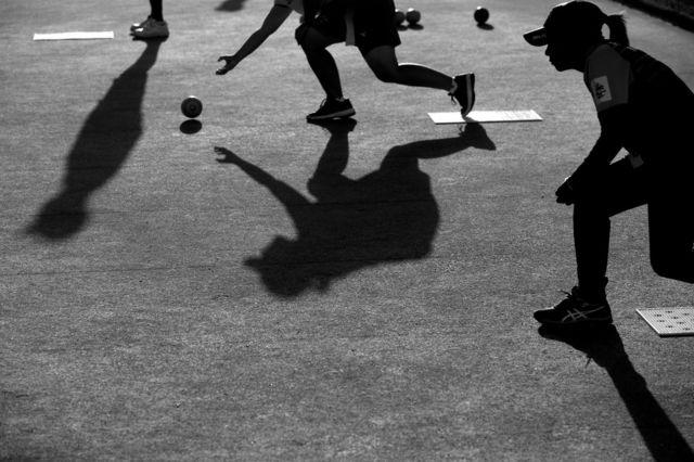 لان بولز مقابلوں میں شریک کھلاڑی کی خوبصورت عکاسی۔