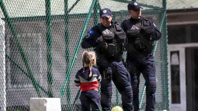 Syria war: Kosovo brings back 110 citizens including jihadists