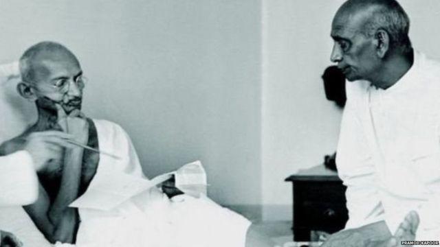 सरदार पटेल और महात्मा गांधी
