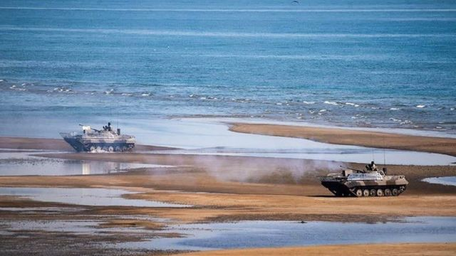 مانور نیروی زمینی سپاه در جزیره قشم و اطراف آن برگزار می شود